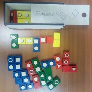 Тактильное домино с геометрическими фигурами